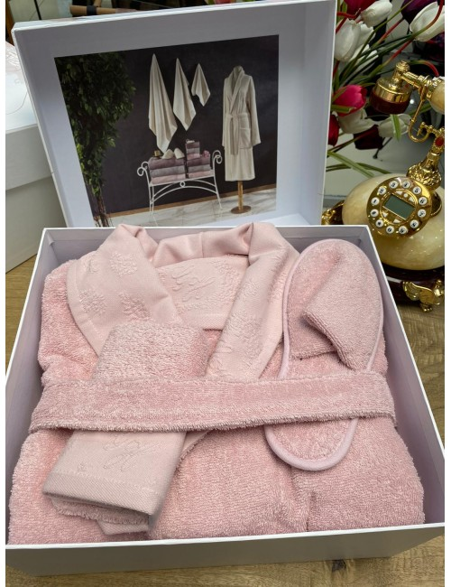 GELIN HOME LISA PEMBE / Подарочный банный набор Soft cotton (халат с полотенцами) Размер S/M